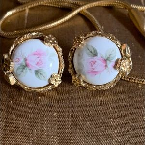 VINTAGE CLIP ON EARRINGS WITH A ROSE DESIGN